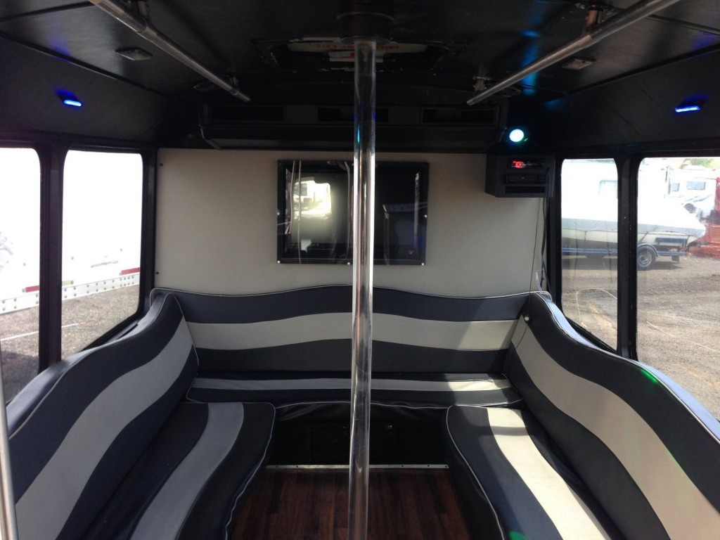 hight resolution of 2002 ford e 450 super duty v 10 party limo shuttle