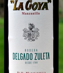La Goya Manzanilla is a perfect aperitif. A fresh, savoury classic, it is crisp, dry and nutty. Recommended by Sarah Jane Evans MW in Decanter Magazine, March 2020. IWC Gold Medal winner. This half bottle enables you to enjoy its fresh, complex aromas of almonds and camomile and its nutty flavours with just a hint of salty tang from its time under flor in Sanlucar de Barrameda in Andalucia.