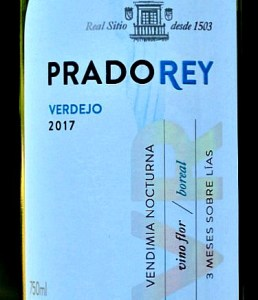 Prado Rey Verdejo 2017; expressive and elegant Verdejo; aromas of exotic tropical fruit leap out of the glass; intense flavours of pineapple, grapefruit and lychees; Very well balanced, zingy yet smooth, elegant and very long. Lovely aperitif; great with food. A stunning Verdejo at a great price.