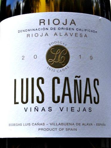 Luis Cañas Viñas Viejas Blanco 2019 is a beautifully balanced, elegant white Rioja. Dry, with a terrific balance of rounded fruit and citrus. 91 points Tim Atkin MW.