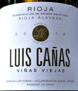 Luis Cañas Viñas Viejas Blanco 2019 is a beautifully balanced, elegant white Rioja. Dry, with a terrific balance of rounded fruit and citrus. 91 points Tim Atkin MW.