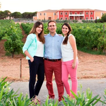 Dominio de Punctum Biodynamic Family Vineyards produce consistently high quality wines. Here is the Fernandez family story behind their success in organic and biodynamic wine production in Spain.