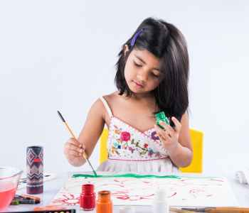 fine arts training license in UAE