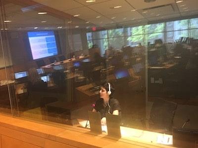 Interpreter simultaneously interpreting for a presentation