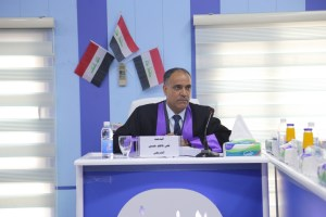 Read more about the article جانب من مناقشة طالب الدكتوراة علي كاظم حسين الشريفي