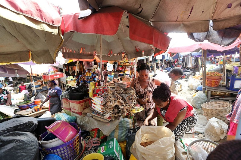 Surge in Lagos markets, banks, superstores as Coronavirus spreads - Businessday NG