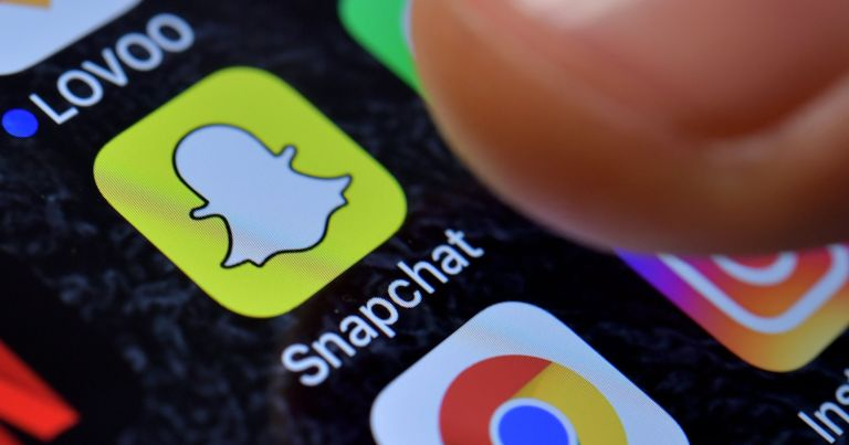 636525764384976123 EPA GERMANY COMPUTING APPS 95177851 - Nobody seems to like Snapchat's update