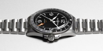 br v2 93 gmt - Bell & Ross launches a new watch for travelers