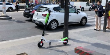 Lime Paris - The lime scooters are alive in Paris