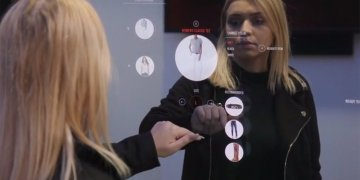Mastercard - Could Mastercard Smart Mirror boost retail sales for your small business?