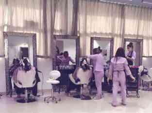 Ladies saloon for sale in Dubai