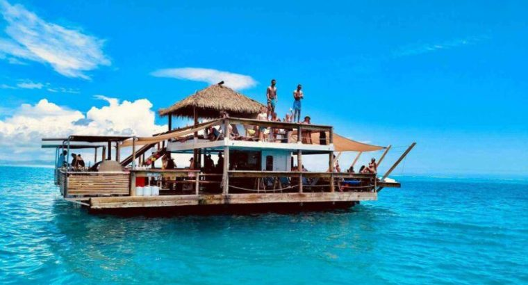 Floating Restaurant For Sale in Dubai