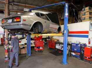 Running Auto Garage for Sale in Al Quoz in Dubai