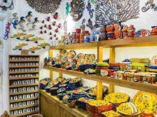 Сувенірний магазин Доступний для продажу в Дубаї