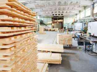 Véndese fábrica de carpintería en Dubai