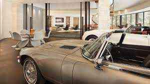 Car garage workshop for sale in Dubai