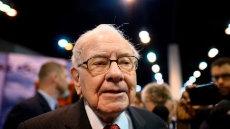 Warren Buffett's top three investment tips