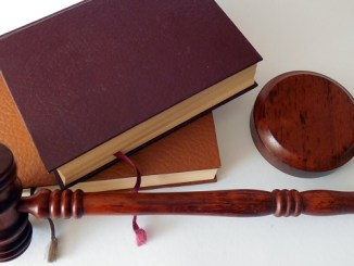 hiring business lawyer
