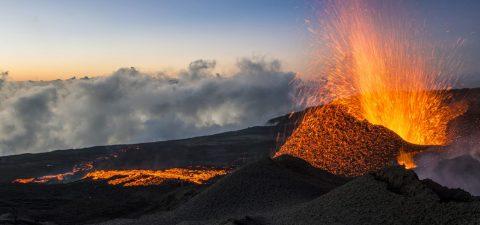 Image: Eruption Volcan Mai 2015