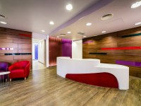 10 Eye-Catching Ceramic Tiles Flooring For Offices ...