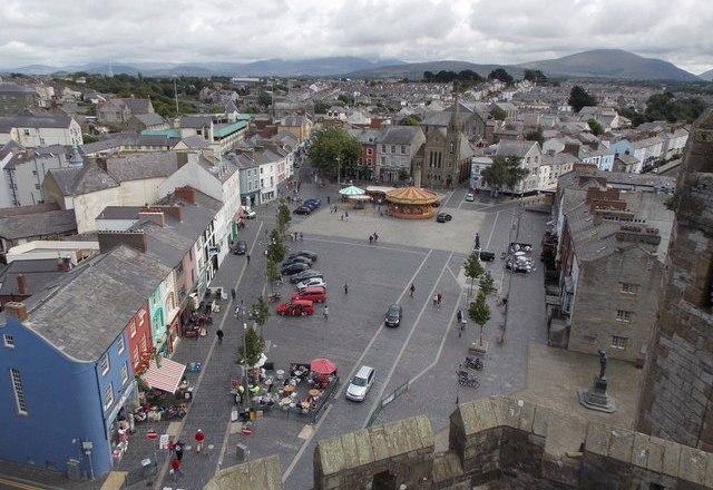 Gwynedd Council Regeneration Fund Allows Renovation of Caernarfon Town Buildings
