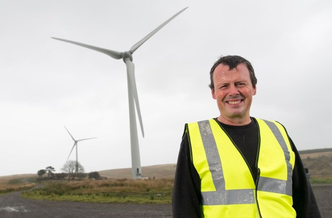 Amman Valley's Awel Co-op Wind Farm to Gift Over £30,000 to Local Community Groups