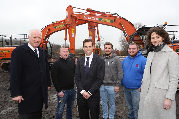 Welsh Government Economy Secretary Ken Skates welcomes Jones Bros £9.8m investment in heavy plant,  seen here with Huw Jones, company  Chairman;  Ruth Jones,  Commercial Manager and apprentices , Conah Astbury, Menai Bridge ; Gary Salisbury, Buckley; Ilan Rhys Roberts, Caernarfon; in  front of one of the new Hitachi telescopic handlers
