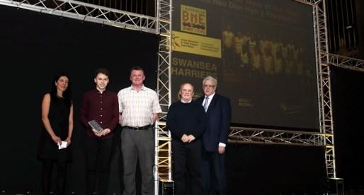 Leading Insurance Broker Shows Team Spirit by Sponsoring Swansea Sports Awards