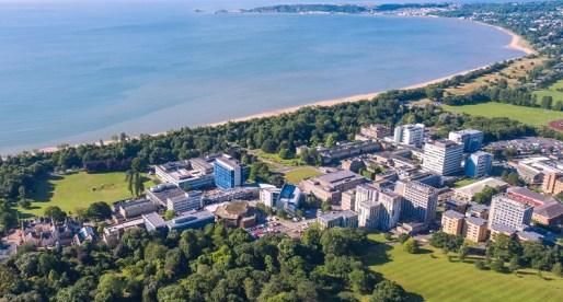 Swansea University Named University of the Year at Student Choice Awards 2019
