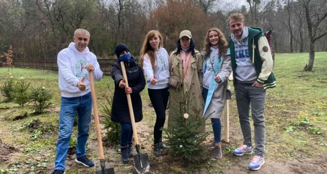 Українські селебріті висадили Зірковий ліс у рамках озеленення планети