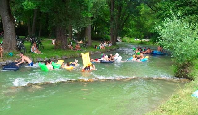 Summer must do! Treiben lassen im Eisbach