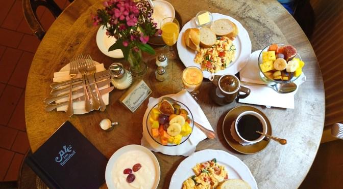 Frühstückstipp: Café im Hinterhof