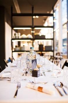 Dinnertafel - Foto: Gina Gorny [More Magenta Please]