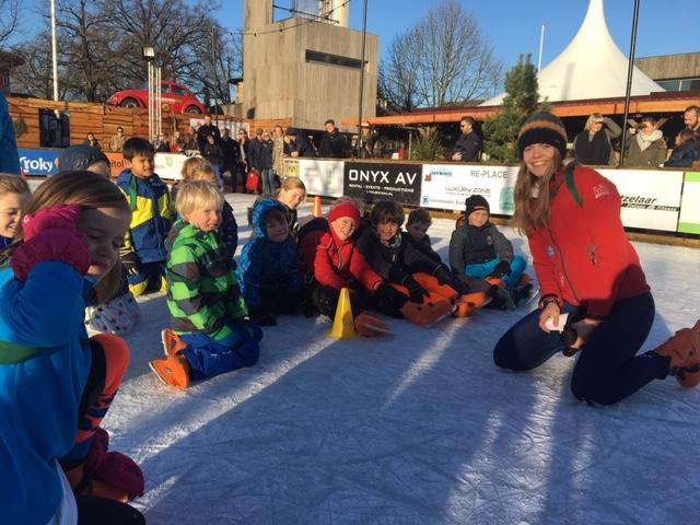 Goed begin van de kerstvakantie: schaatslessen!