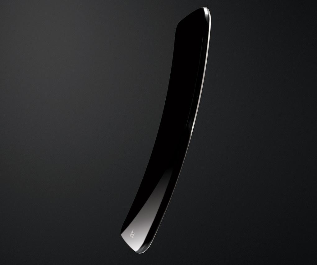LG_G_Flex_curved_smartphone_01