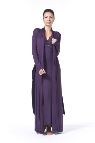 Both this night gown and robe are available in sizes S-XL.