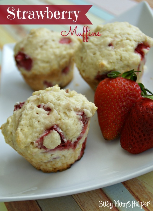 Strawberry Muffins / by www.BusyMomsHelper.com #strawberry #muffins #breakfast