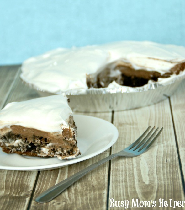 Creamy Chocolate Layered Pie / by Busy Mom's Helper #chocolatepie #dessert #chocolate #brownie