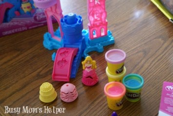 Happy National Play Doh Day with Busy Mom's Helper #playdohday #kidfun #gifts