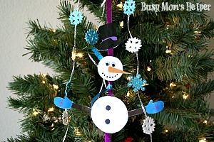 Build Your Own Snowman Mobile Kids Craft / by Busy Mom's Helper #Winter #holidays #printable #kidscraft