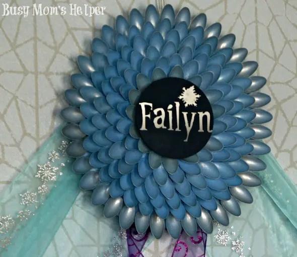 Frozen Inspired Spoon Wreath / by Busy Mom's Helper #frozen #wreath #decor