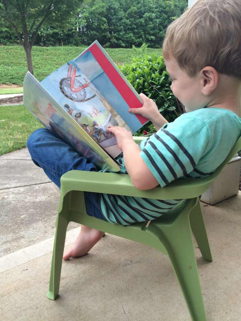7 FUN Tips for Summer Reading! By Nurture and Thrive for Busy Mom's Helper