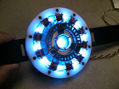 Iron Man Arc Reactor Tutorial / by Instructables / Round up by Busy Mom's Helper