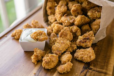Baked Garlic Popcorn Chicken / by The Cozy Apron / Round up by Busy Mom's Helper