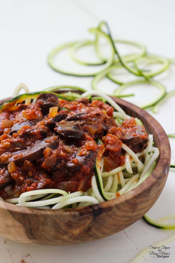 Spiralized Zucchini Noodles with Hearty Mushroom Marinara l Steph in Thyme for Busy Mom's Helper