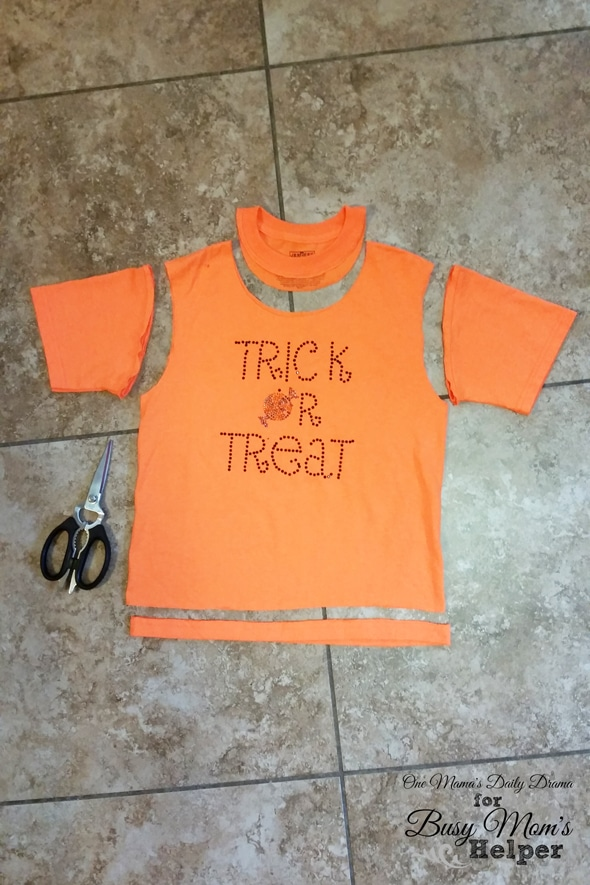 Easy no-sew trick-or-treat bag | One Mama's Daily Drama for Busy Mom's Helper