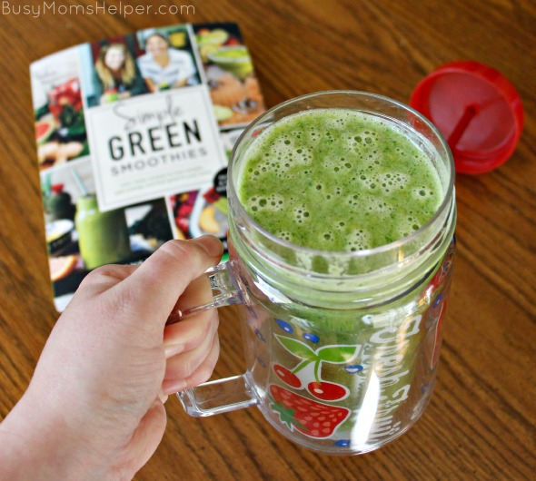 Help with Green Smoothies / review by BusyMomsHelper.com / Simple Green Smoothies Book #sponsored