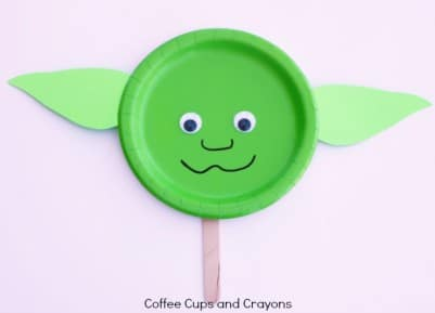 Make-a-Simple-Star-Wars-Craft-Yoda-Puppet