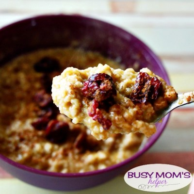 Pumpkin Chai Oatmeal / recipe by BusyMomsHelper.com / great easy breakfast idea