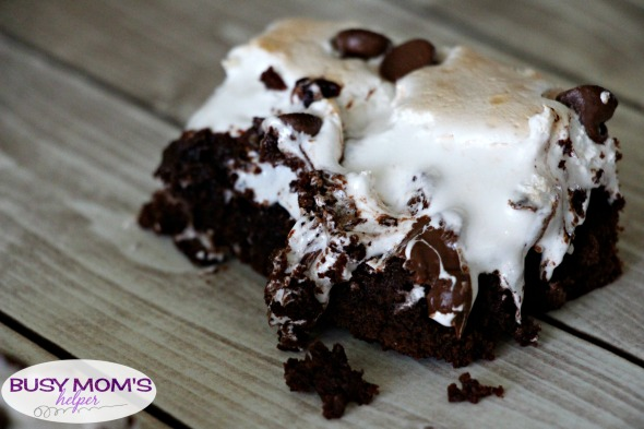 Marshmallow Brownies / by BusyMomsHelper.com / You'll love every bite of this gooey marshmallow brownie recipe